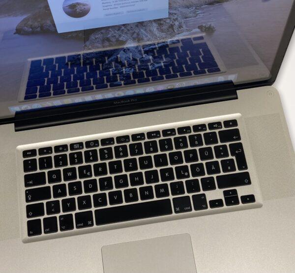 MacBook Pro 17″ 2
